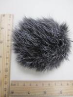 Помпон из меха кролика, черно-белый, 95 мм.
