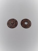 Кнопка пришивная пластик коричневая, 22 мм