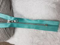 Молния riri атлас. никель,неразъем., 1замок 4мм,16см, тип подвески FLASH, цвет цепи Ni, цвет  голубой