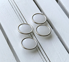 Пуговица белая  (20 мм)