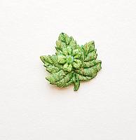 Декоративный элемент пришивной листок зеленый, 30 х 27 мм