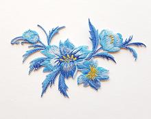 Термоаппликация букет цветов небесно-голубой, 7.5 х 13 см