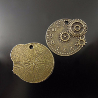 Подвеска часы, цвет античная бронза, 22*20*1 мм