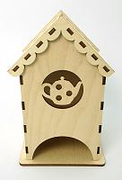 Деревянный чайный домик с чайником, 9x9x16 см