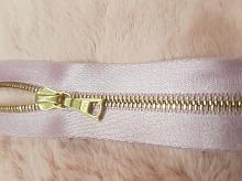Молния RIRI металл. GO, 4 мм, 16 см, на атласной тесьме, 1замок разъемн., FLASH светло-сиреневый