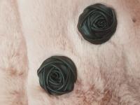 Пуговица пластиковая на ножке Роза черная