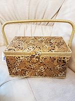 Шкатулка для рукоделия с вкладышем МЗ охра-золотая